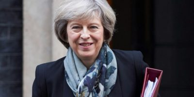 La primera ministra británica, Theresa May, sale de su residencia oficial, el número 10 de Downing Street, el 16 de noviembre de 2016 Foto:Niklas Halle'n/afp.com