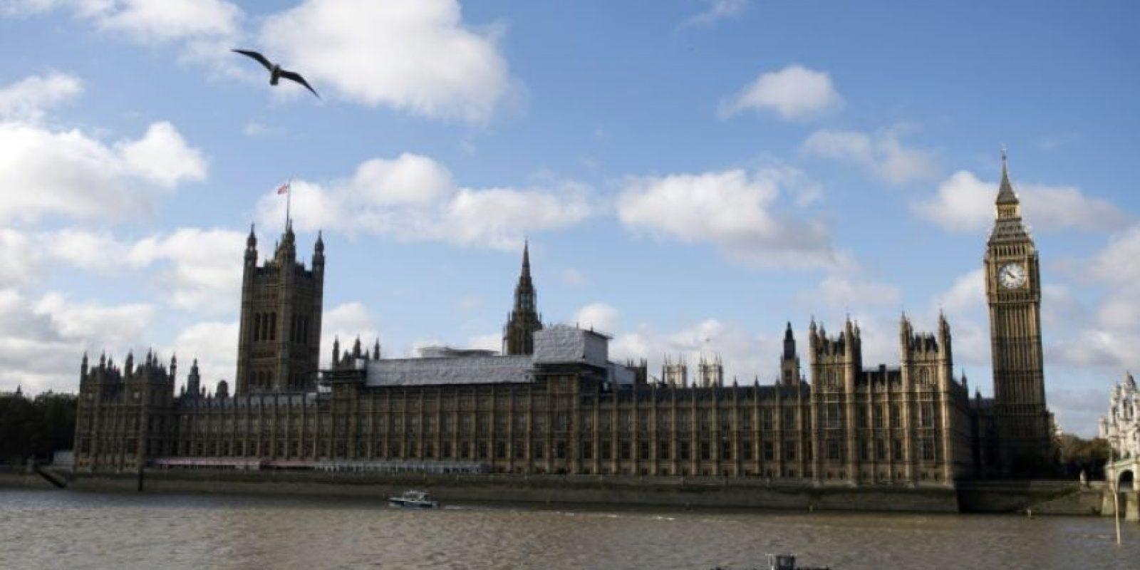 El río Támesis a su paso por la sede del Parlamento británico, en el centro de Londres el 7 de noviembre de 2016 Foto:Justin Tallis/afp.com