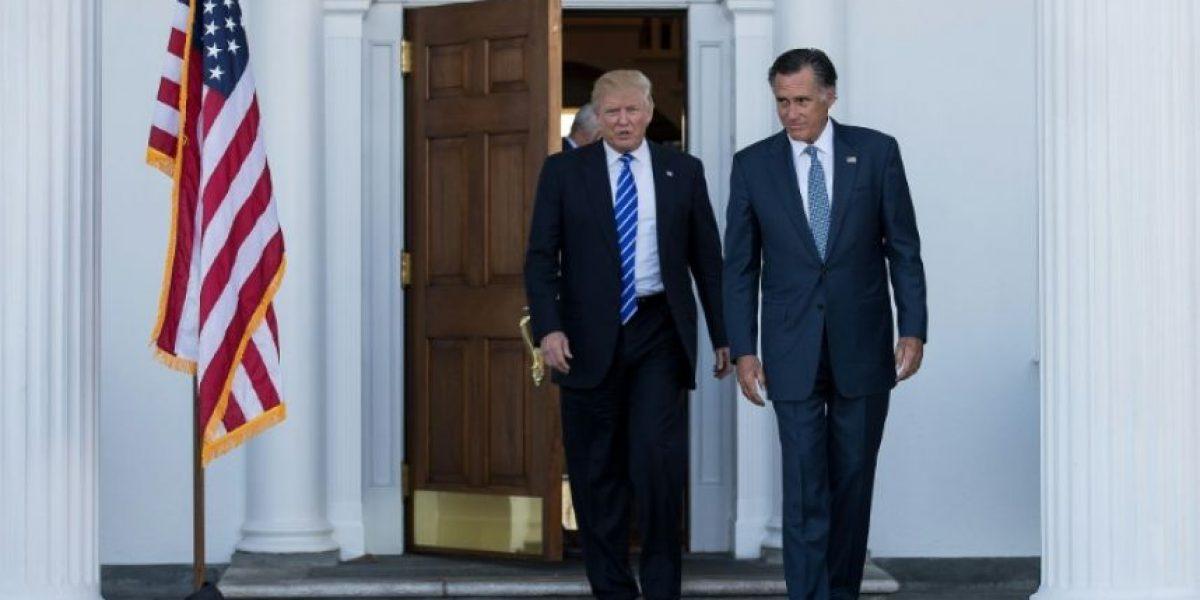Trump se reúne con su exrival, Mitt Romney