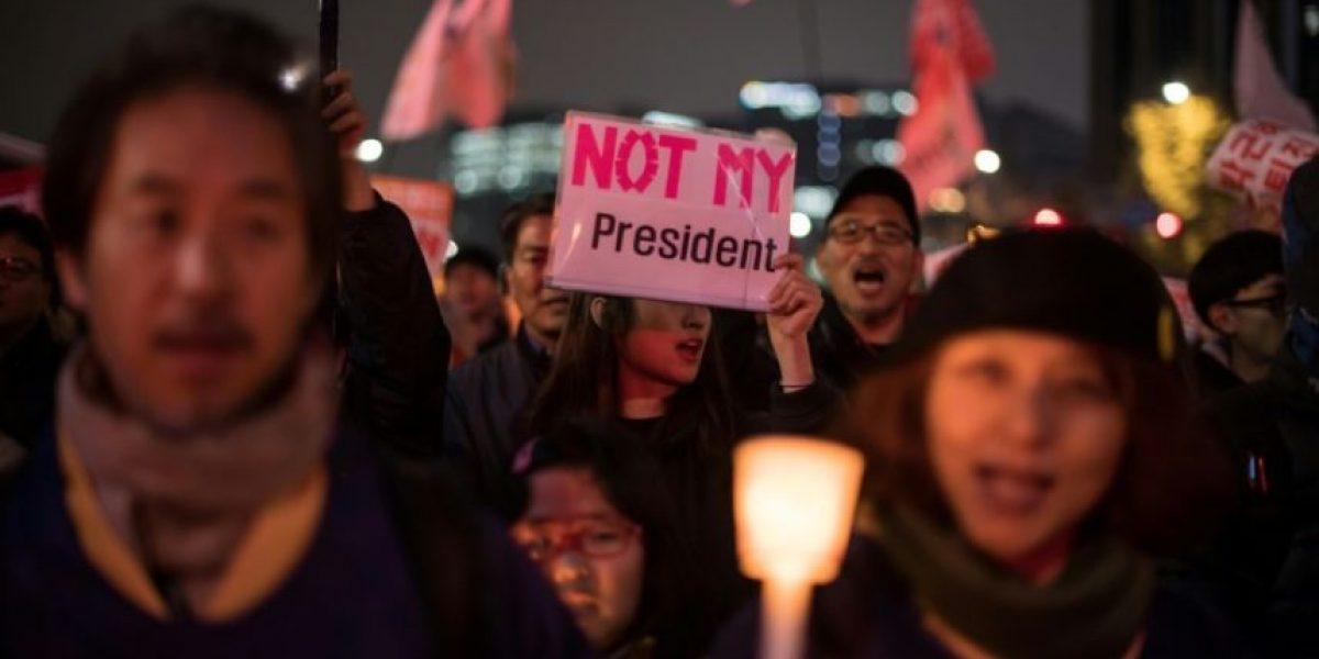 La presidenta surcoreana fue cómplice en un caso de corrupción, según la fiscalía