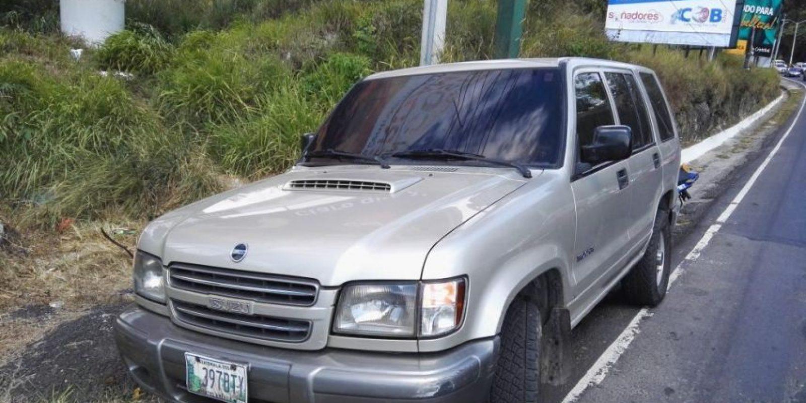 Abandonó su vehículo. Foto:Mario Cruz / CVB