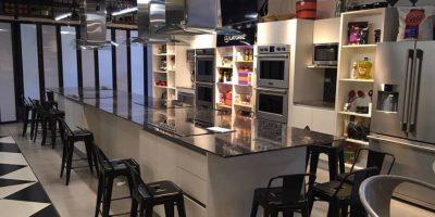 Desde amateurs hasta profesionales: Aprende a cocinar en el Distrito Gastronómico de Oakland Mall