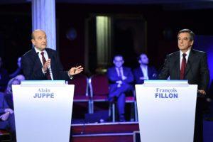 Debate televisado entre Alain Juppé (I) y François Fillon (D) de cara a la votación de las primarias del partido francés Les Republicains, el 3 de noviembre de 2016 en la Salle Wagram de París Foto:Eric Feferberg/afp.com
