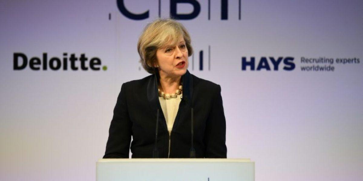 May intenta tranquilizar a los empresarios, preocupados por el Brexit