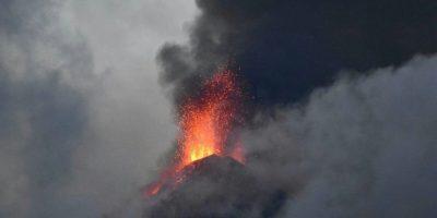 Actividad del volcán de Fuego por la madrugada del lunes Foto:Rony Véliz