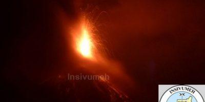 Insivumeh mantiene vigilancia del volcán de Fuego por incremento de actividad