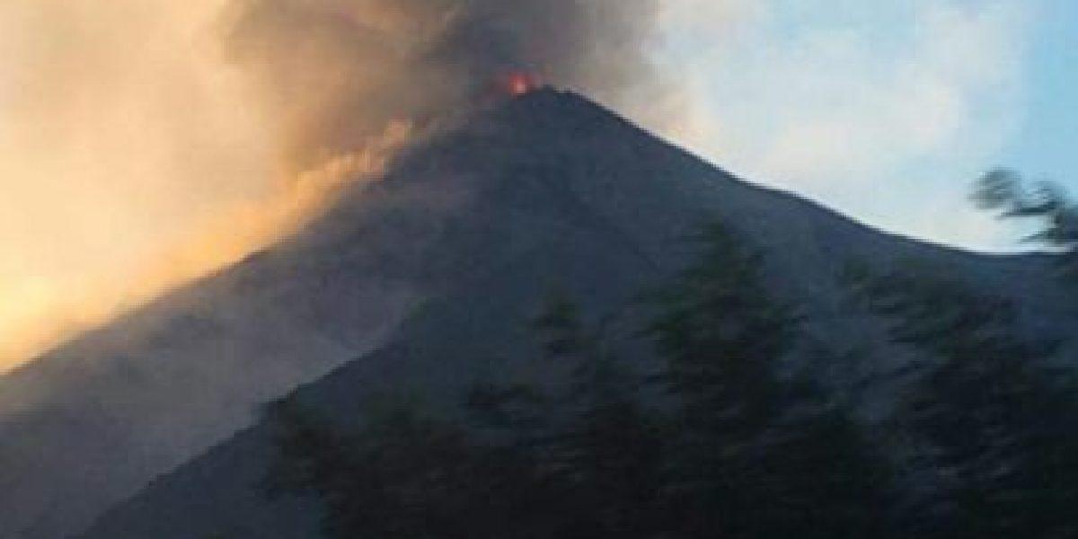 Volcán de Fuego con nueva actividad y las autoridades en prevención