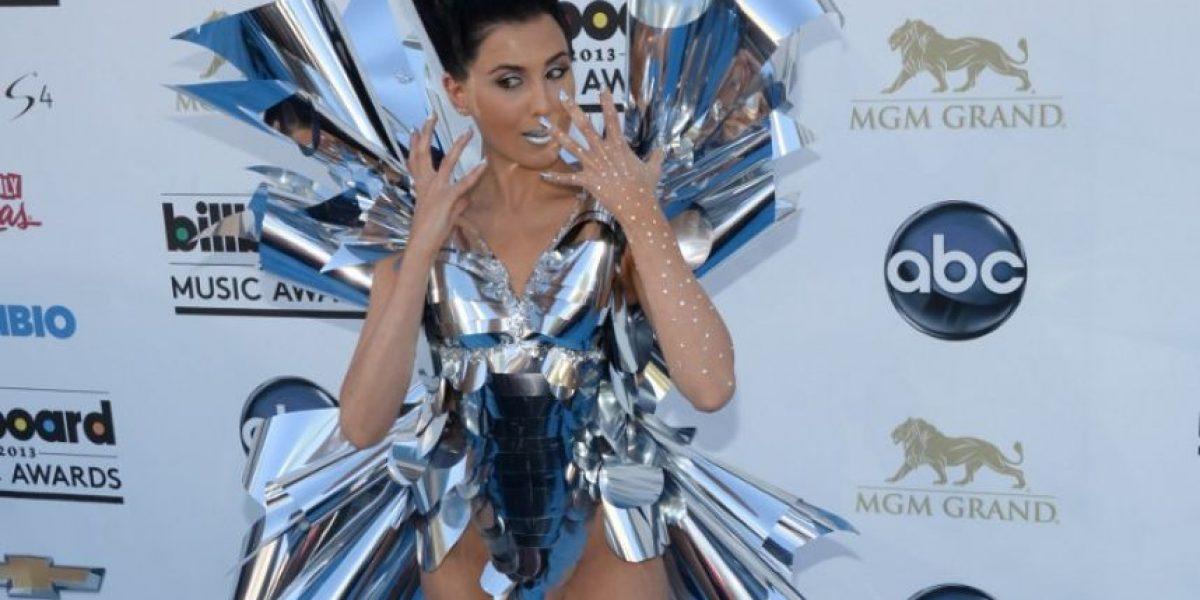 Lady Gaga es desbancada con el peinado más estrafalario en los AMAs 2016