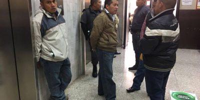 Sindicados previo a ingresar al Tribunal. Foto:Kenneth Monzón