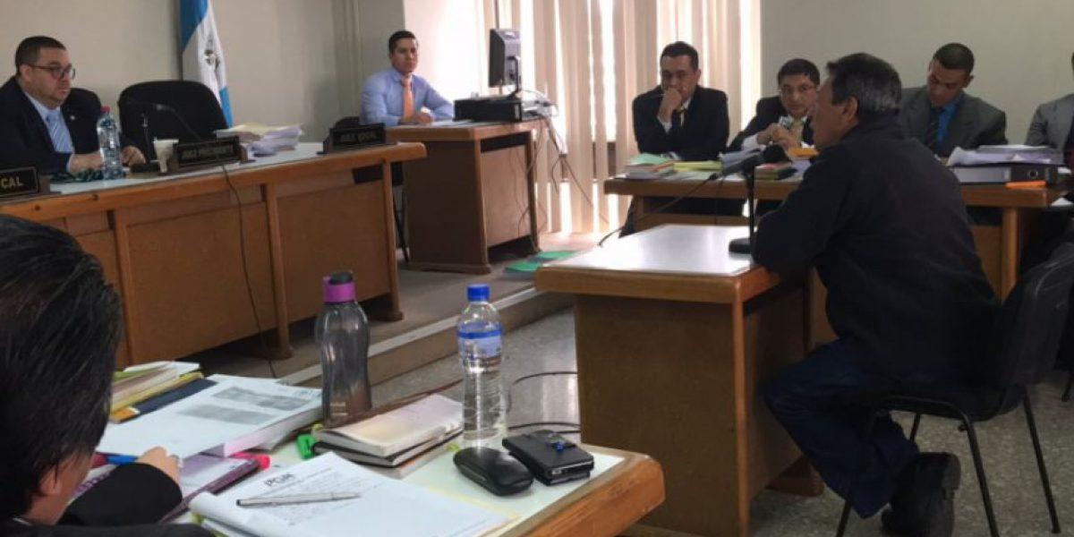 Excomandante de Bomberos Voluntarios se defiende de la acusación de fraude que hace el MP
