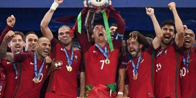Portugal levantó una EURO por primera vez en su historia. Foto:AFP