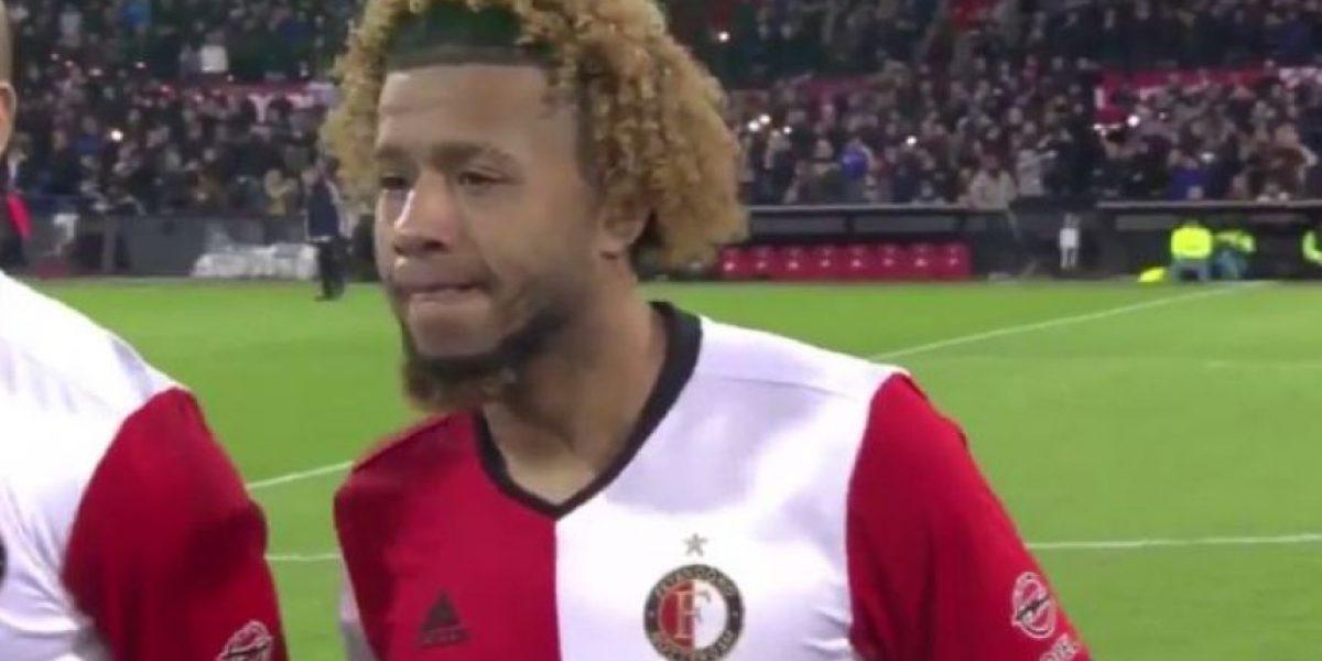 VIDEO. Hinchas le dedican emotivo homenaje a futbolista que perdió a su madre