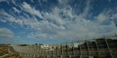 Vista de la fronteriza ciudad mexicana de Tijuana desde Estados Unidos, con la valla que separa a ambos países, el 20 de agosto de 2014 en San Diego Foto:Mark Ralston/afp.com