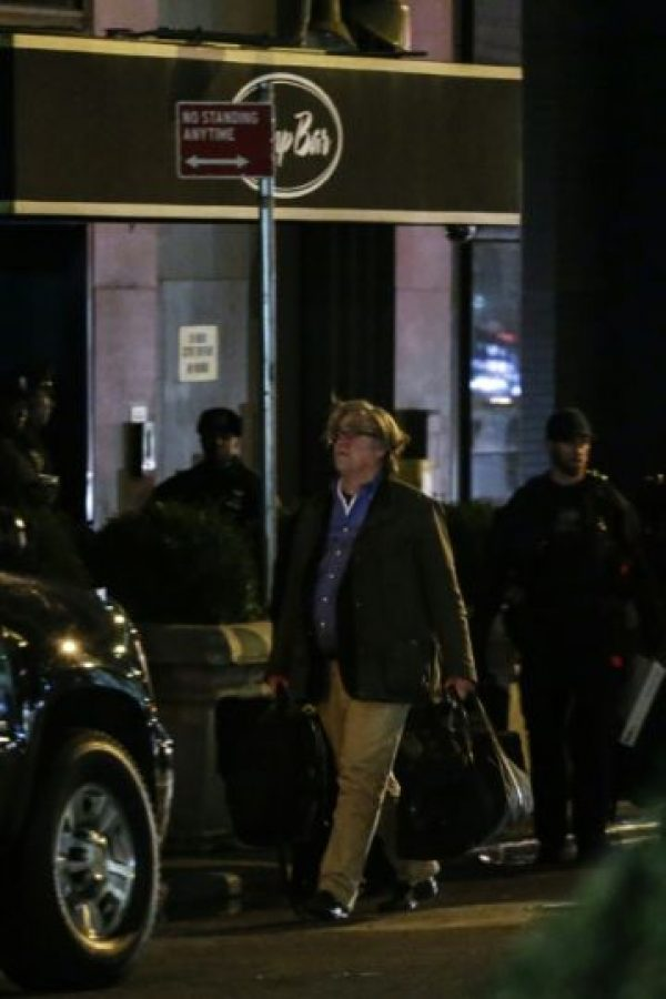 Steve Bannon, jefe de estrategia propuesto por el presidente electo de Estados Unidos, Donald Trump, llega a la Torre Trump en la 5ta Avenida, en Nueva York, el 20 de noviembre de 2016. Foto:KENA BETANCUR/afp.com
