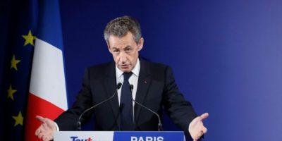 El expresidente de Francia Nicolas Sarkozy pronuncia un discurso tras la primera vuelta de las elecciones primarias en su partido, Los Republicanos, el 20 de noviembre de 2016 en París Foto:Ian Langsdon/afp.com