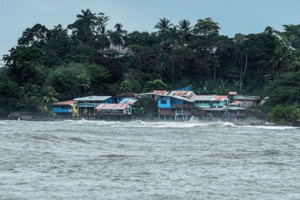Vista de Playa Bonita, en Limón, 160 km al este de San José de Costa Rica, previo pasaje del huracán Otto, el 24 de noviembre de 2016 Foto:EZEQUIEL BECERRA/afp.com