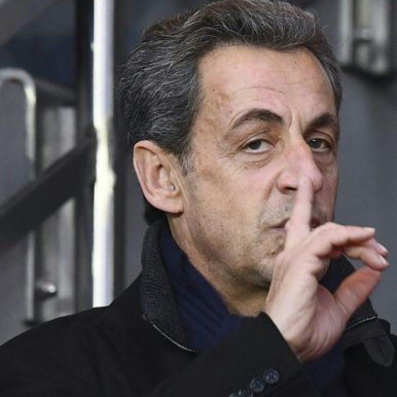 El expresidente de Francia Nicolas Sarkozy asiste a un partido de fútbol entre el Paris Saint-Germain y el Nantes el 19 de noviembre de 2016 en París Foto:Franck Fife/afp.com
