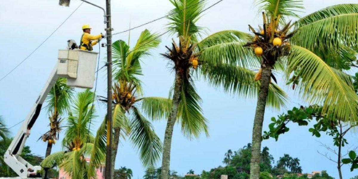 El huracán Otto pierde fuerza y se convierte en tormenta tropical