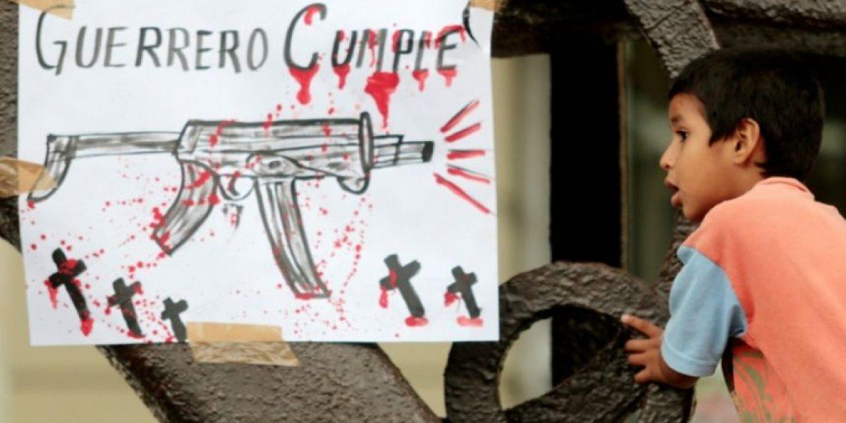 Un niño mexicano diseña una mochila antibalas