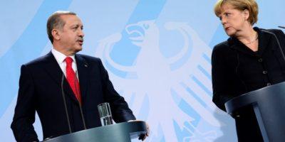 El presidente turco, Recep Tayyip Erdogan, y la canciller alemana, Angela Merkel, tras una reunión en Berlín en 2012 Foto:John MacDougall/afp.com