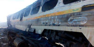 Tren dañado después de un accidente en la provincia de Semnan en Irán el 25 de noviembre de 2016 Foto:HO/afp.com