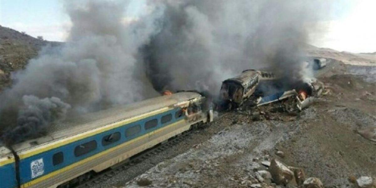 Un choque de trenes en Irán deja 44 muertos y más de 80 heridos