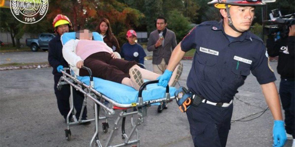 Colisión de buses en la calzada San Juan deja a nueve pasajeros heridos