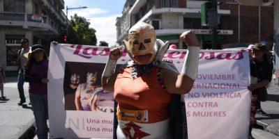 """""""Superpoderosa"""" en la marcha #TodasContraLaViolencia en el Paseo de la Sexta"""