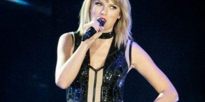 Taylor Swift hace el reto del maniquí con un sexy baile a la orilla de la playa