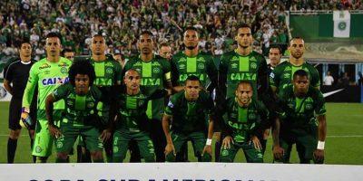 Avión con futbolistas de Chapecoense de Brasil se accidenta en Colombia