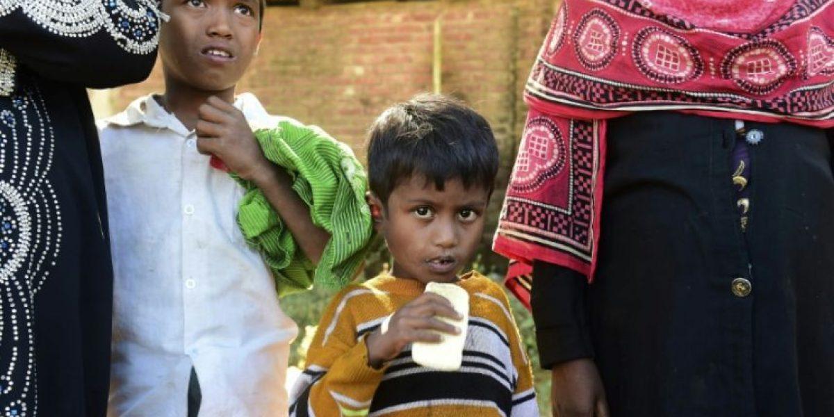 Al menos 10.000 rohingyas birmanos han entrado a Bangladés desde octubre