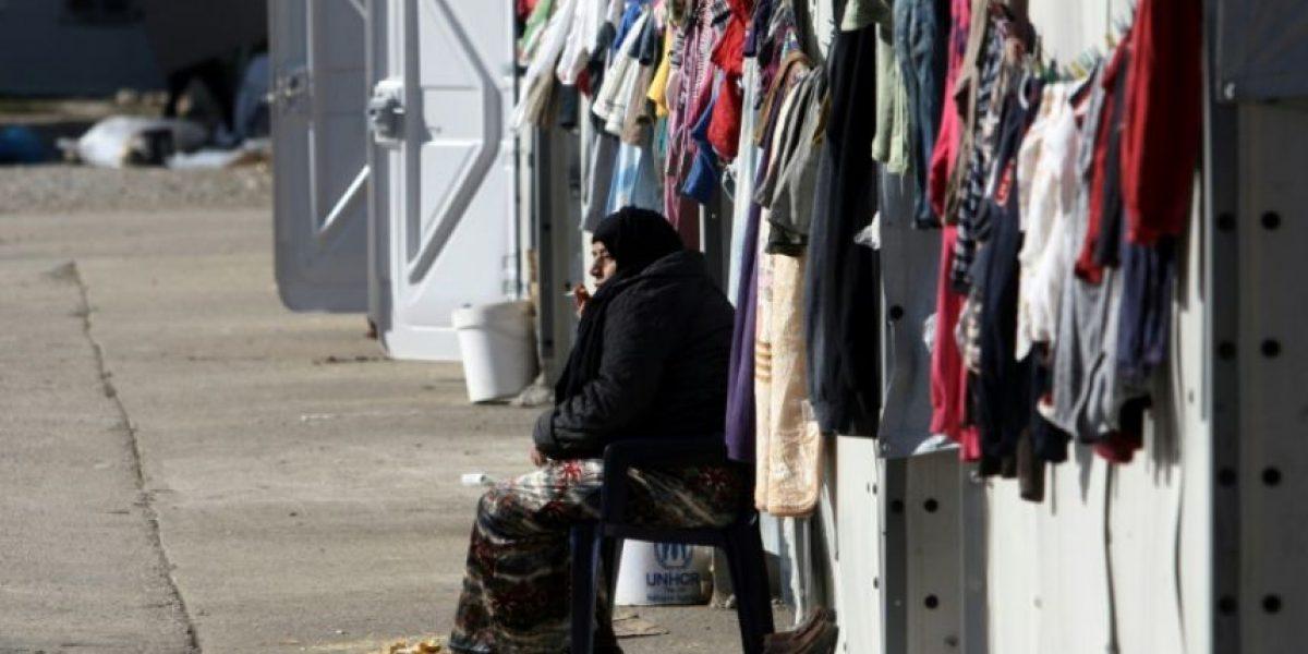 Una ola de frío en Grecia obliga al realojo urgente de miles de migrantes