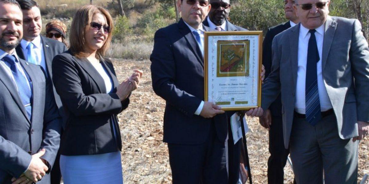 En Facebook, primera dama, Patricia de Morales, comparte sus primeras impresiones de su viaje a Israel