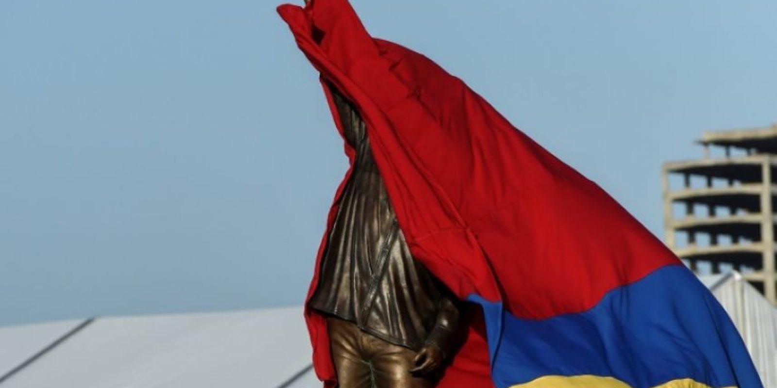 Una estatua del fallecido presidente venezolano, Hugo Chávez, exhibida por primera vez en público en Porlamar, en Isla Margarita (Venezuela), el 16 de septiembre de 2016 Foto:Juan Barreto/afp.com