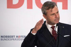 Norbert Hofer, candidato presidencial partido de ultraderecha austríaco, el FPÖ, en su último mítin previo a las elecciones en Viena, el 2 de diciembre de 2016 Foto:Joe Klamar/afp.com
