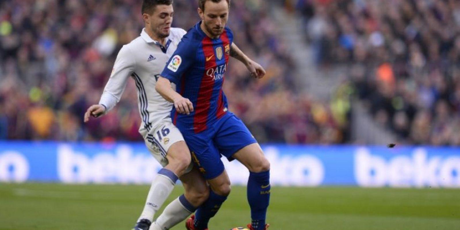 El clásico de España con la eterna rivalidad entre el Barcelona y el Real Madrid escribieron otro capítulo este sábado. Foto:AP y AFP