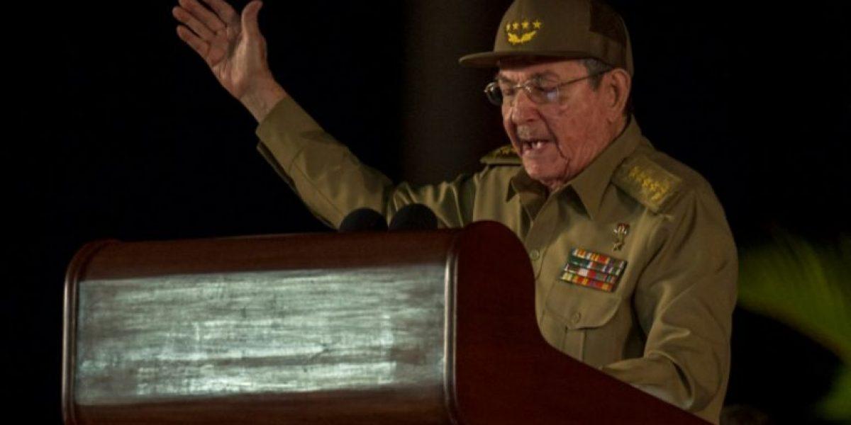 Raúl Castro promete que seguirá la revolución socialista en Cuba