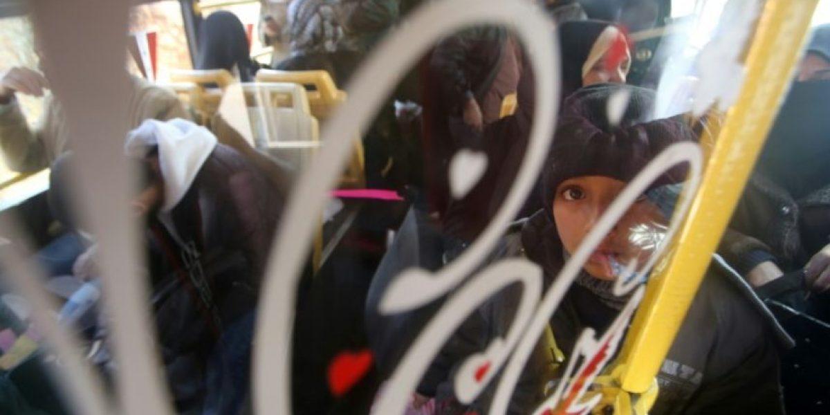 Alegría y miedo a bordo de los primeros autobuses hacia Alepo-Este