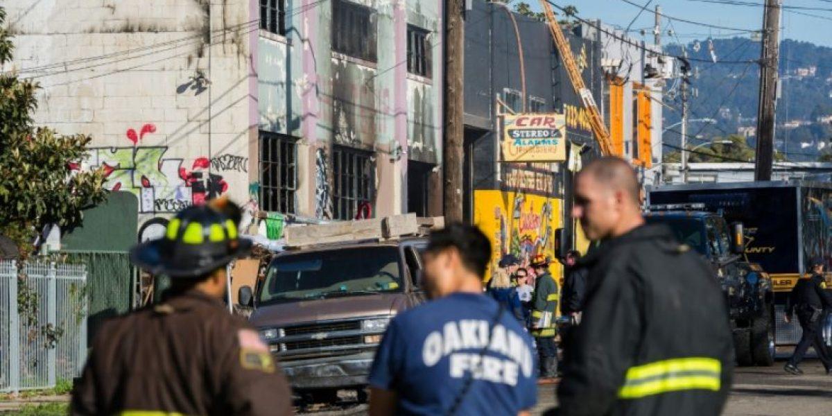 Sube a 30 el número de muertos en incendio en Oakland