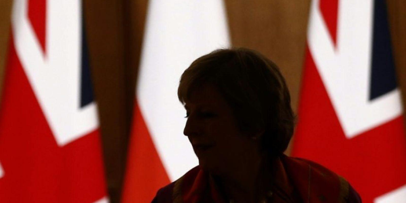 La primera ministra británica, Theresa May, comparece en una rueda de prensa con su homóloga polaca, Beata Szydlo, el 28 de noviembre de 2016 en Londres Foto:Peter Nicholls/afp.com