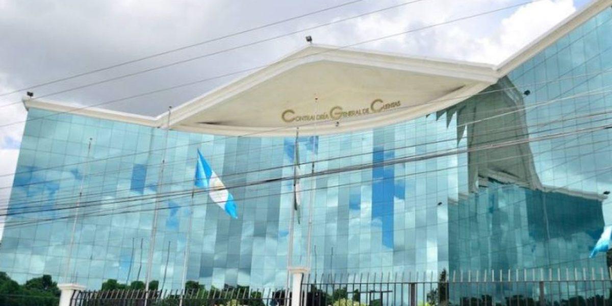 """Contraloría dice que """"hay resultados impactantes"""" en ministerio de Salud vinculados a plazas fantasma"""