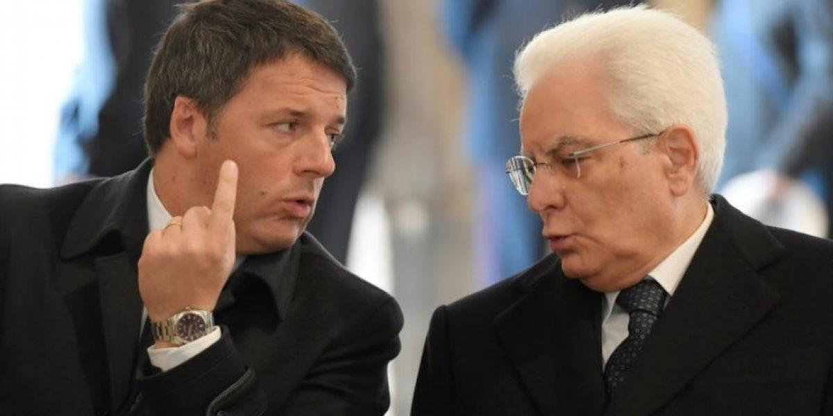 Italia debate salidas a la crisis política