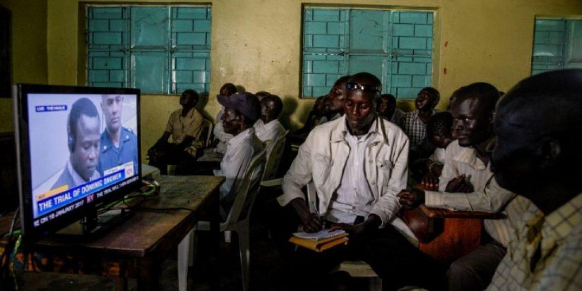 Un exniño soldado y jefe de guerra ugandés se declara no culpable ante la CPI