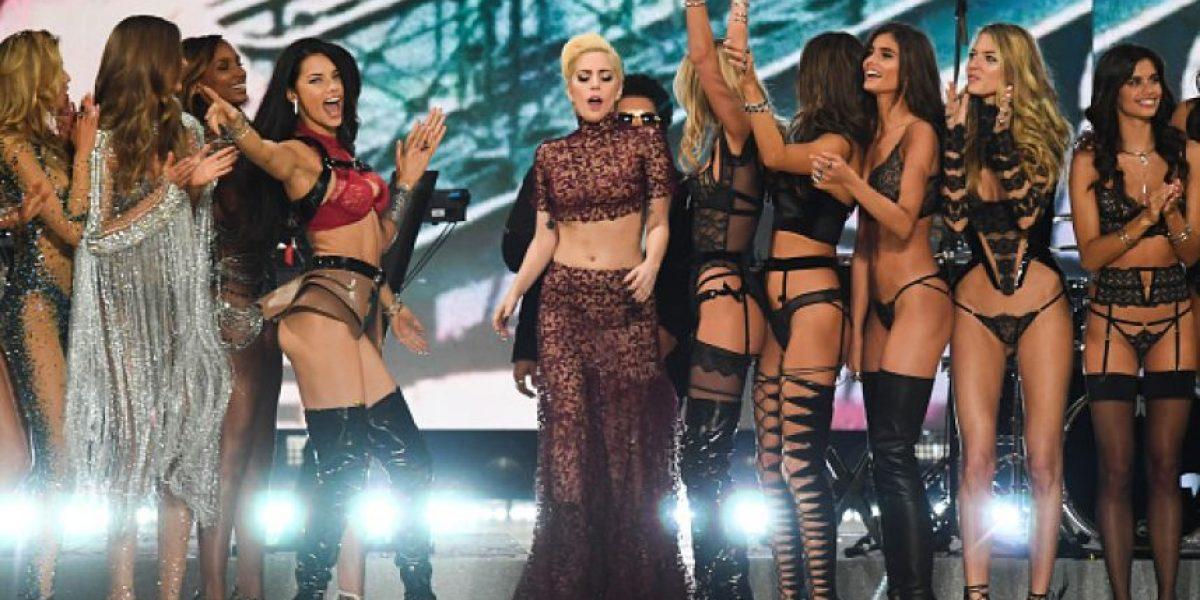 Captan a Lady Gaga y modelo de Victoria