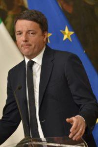 Matteo Renzi, durante la rueda de prensa que dio tras el referendo sobre la reforma constitucional, el pasado 5 de diciembre en Roma Foto:Andreas Solaro/afp.com