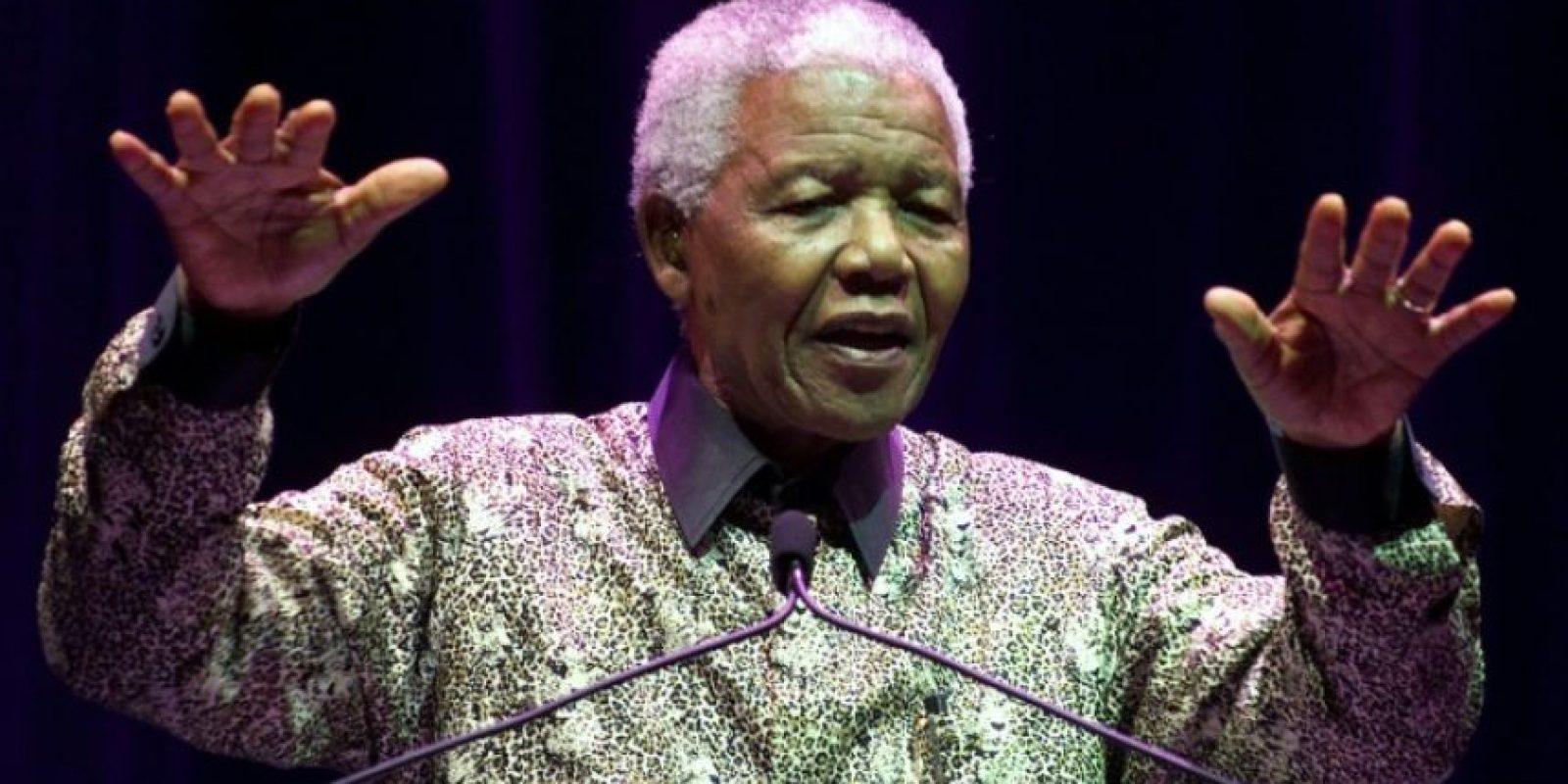 El expresidente de Sudáfrica y Nobel de la Paz Nelson Mandela en un acto en Melbourne, Australia, el 8 de septiembre de 2000 Foto:Torsten Blackwood/afp.com