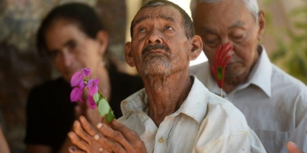 El Salvador entierra osamentas en el 35º aniversario de la masacre de El Mozote