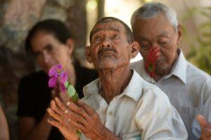 Salvadoreños participan en las ceremonias de conmemoración de la masacre de 1981 en El Mozote, a 200 kilómetros al este de San Salvador, el 9 de diciembre de 2016 Foto:Marvin Reciños/afp.com