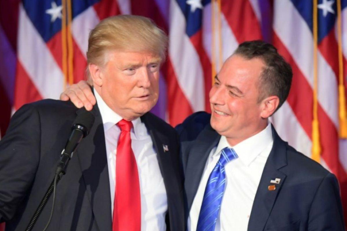 El presidente del Comité Nacional Republicano, Reince Priebus (dcha), con el presidente electo estadounidense, Donald Trump, el 9 de noviembre de 2016 en Nueva York Foto:Jim Watson/afp.com