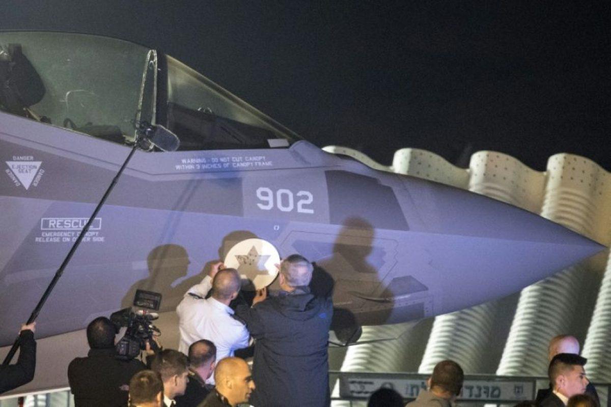 Un avión F-35 comprado por Israel a Estados Unidos aterriza en la base aérea israelí de Nevatim, el 12 de noviembre de 2016 Foto:JACK GUEZ/afp.com